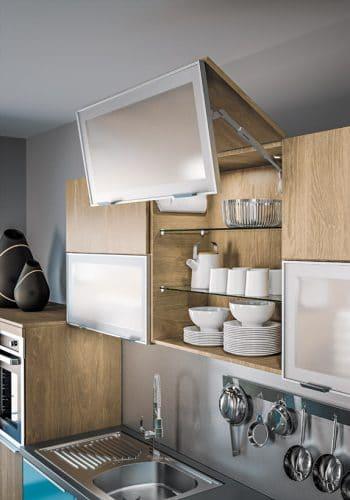 Porte de cuisine relevable pliante sur cuisine Méribel