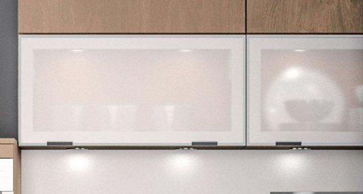 Porte de cuisine vitrée sur cuisine Méribel